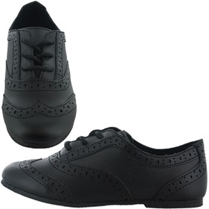 Buckle My Shoes Clover Scalloped Brogue